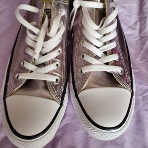 Converse women's silver metallic sneakers 8/8.5